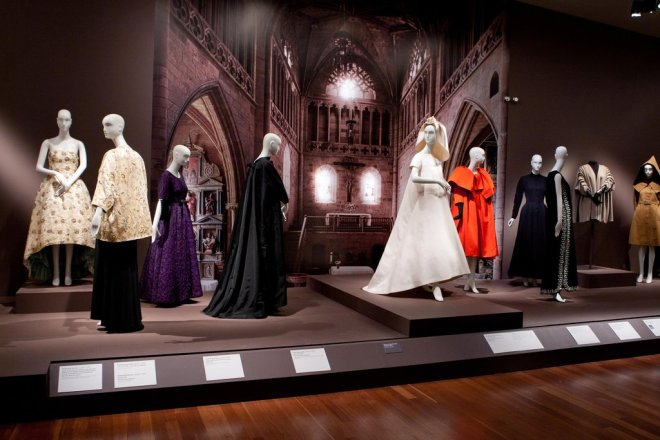 Dresses in the Balenciaga and Spain Exhibition