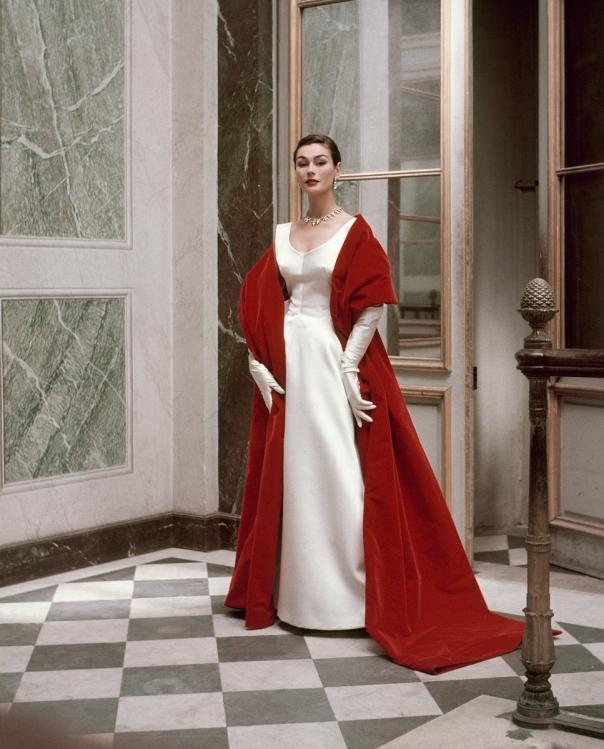 Evening Dress and Stole by Cristóbal Balenciaga, 1952