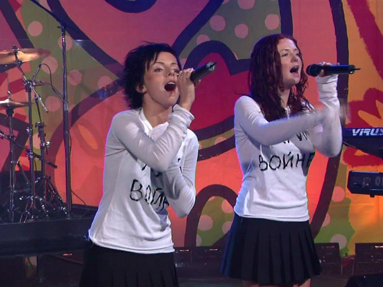 t.A.T.u. Performing at The Tonight Show with Jay Leno