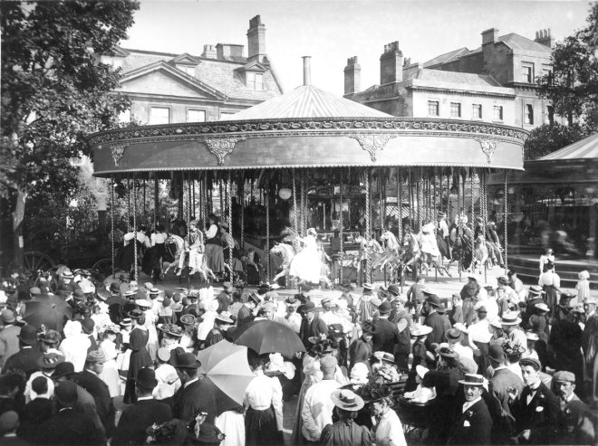 Fair-goers in St Giles', 1895